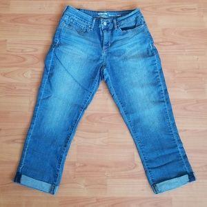 Signature Levi Strauss capri crop jeans